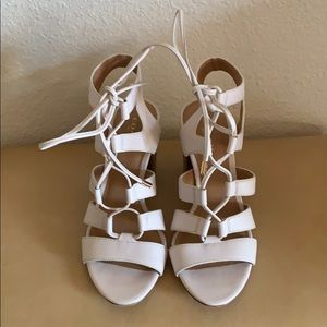 COACH NEW YORK STRAPPY Leather SANDALS - SIZE 5